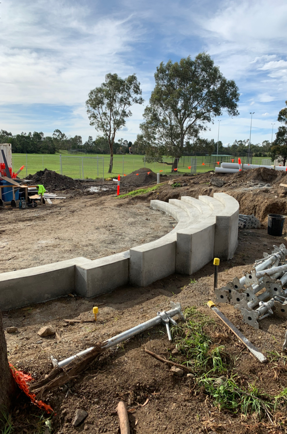 Melbourne Landscaper - Concrete in-situ steps Mill Park Leisure centre.