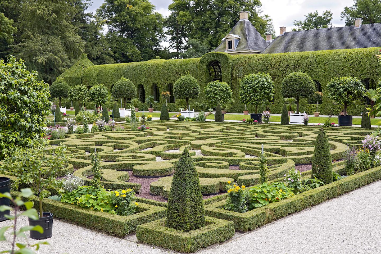 Het Loo Dutch baroque gardens.