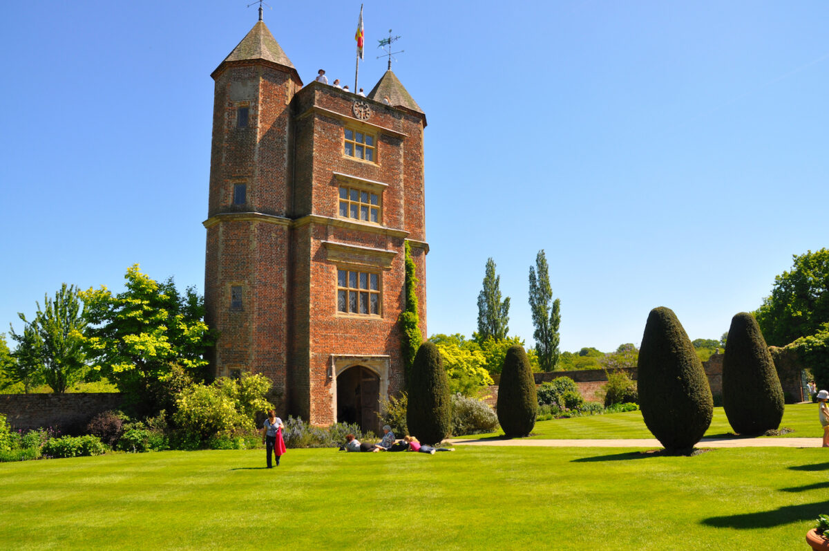 English Classic Garden Design - Sissinghurst