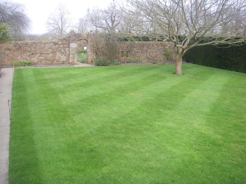 Sissinghurst Lawns. Classic English Garden Design.