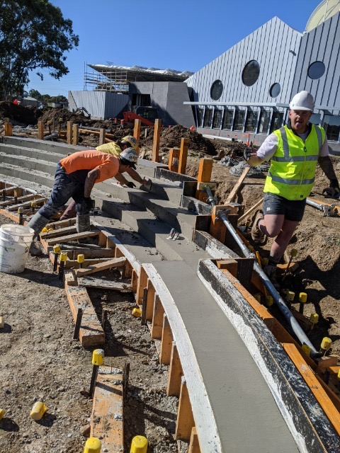 Removing Formwork for a curved insitu concrete seat